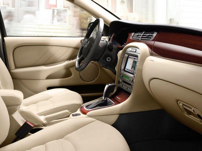 Jaguar X-TYPE 2008 interior
