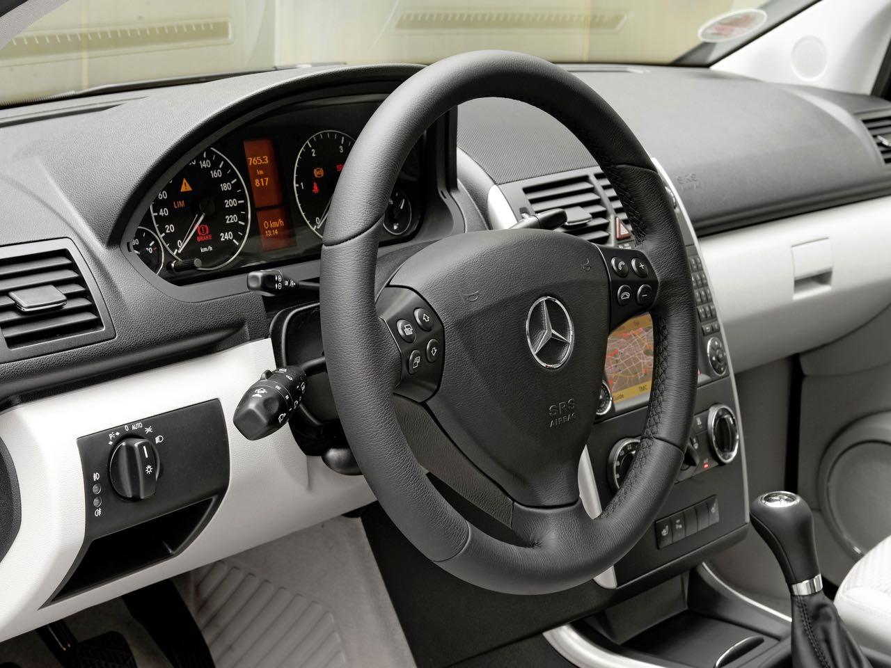 Mercedes clase a 2008 monovolumen urbano for Interior mercedes clase a