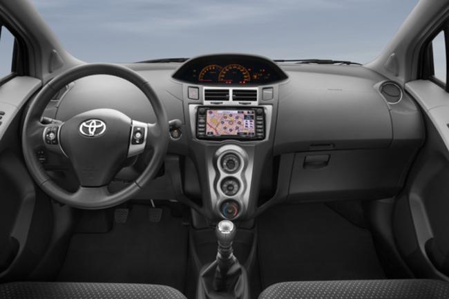 Toyota Yaris puesto de conducción