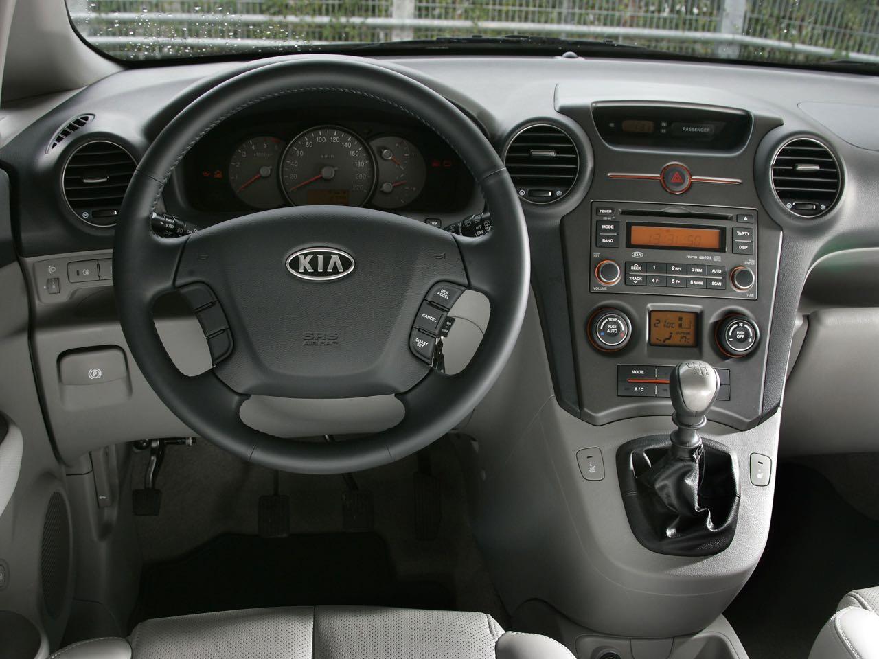 Kia Carens 2006 interior