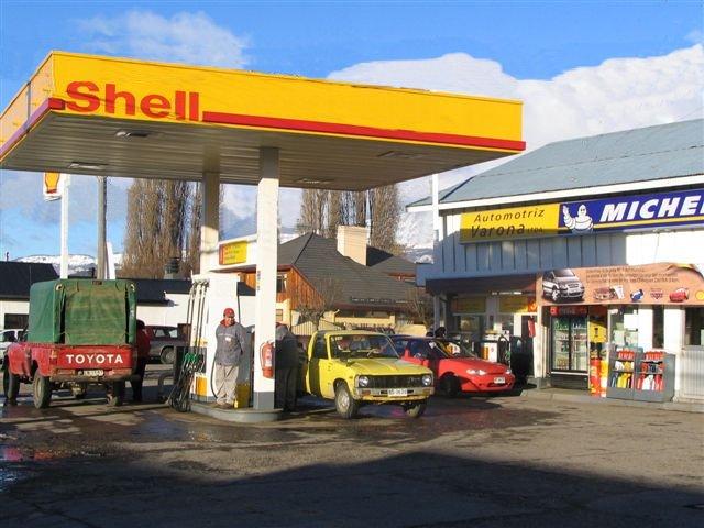 Si es posible verter la gasolina de los floreros 2110