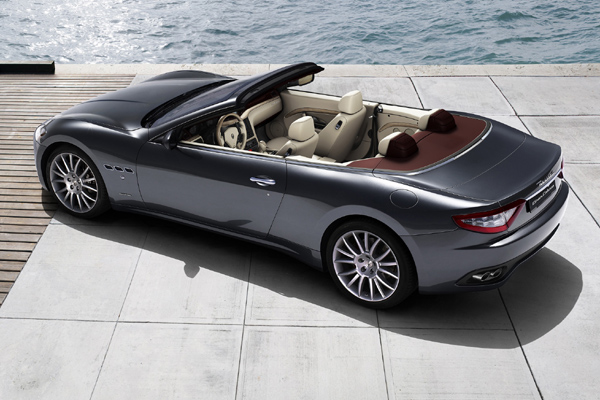 Maserati GranCabrio trasera