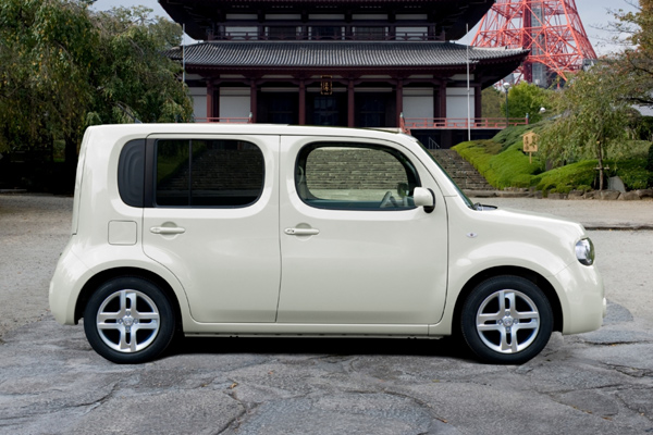 Nissan Cube blanco lateral
