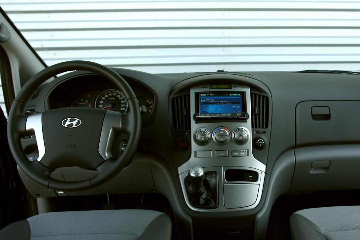 Hyundai i800, el único con 8 plazas