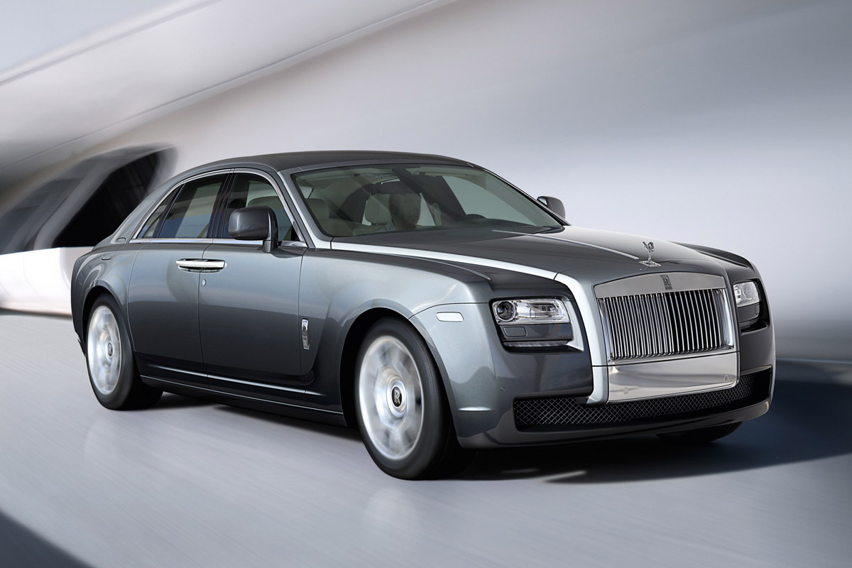rolls royce ghost un equipamiento inusual. Black Bedroom Furniture Sets. Home Design Ideas