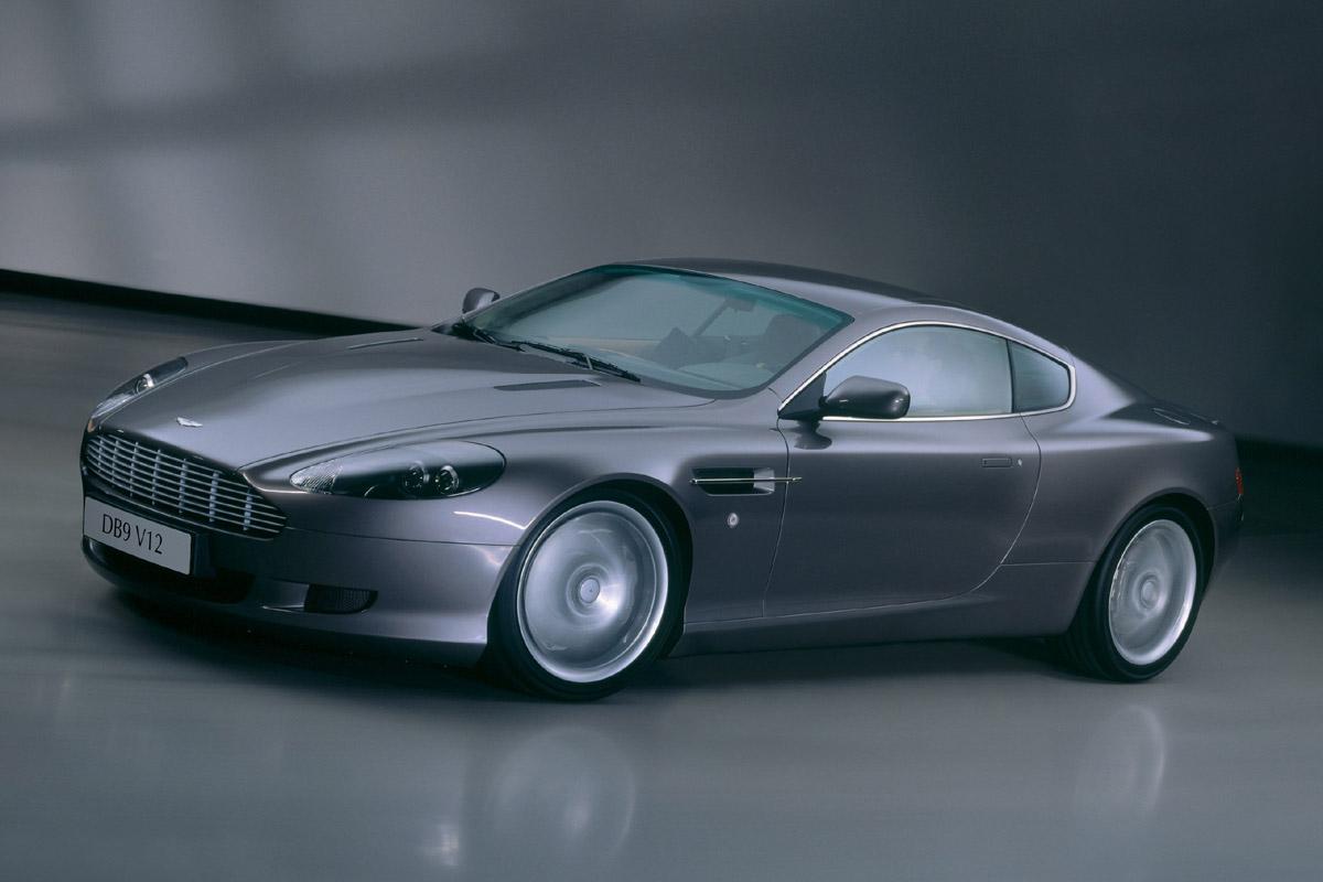 Aston Martin DB9 Coupé lateral