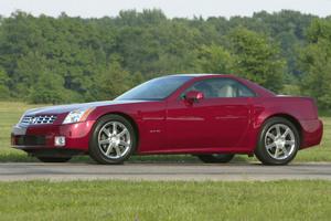 Cadillac XLR capotado