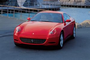 Ferrari 612 Scaglietti F1 rojo estático