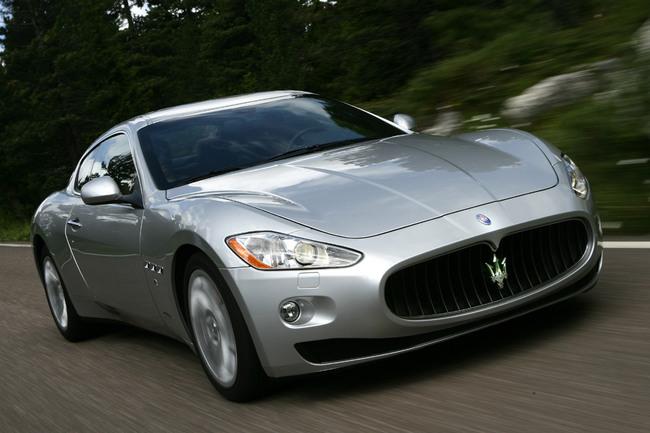 Maserati GranTurismo 2010 vista frontal