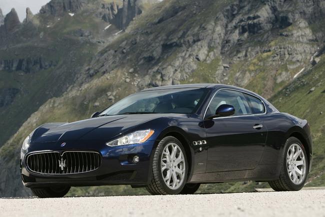 Maserati GranTurismo lateral