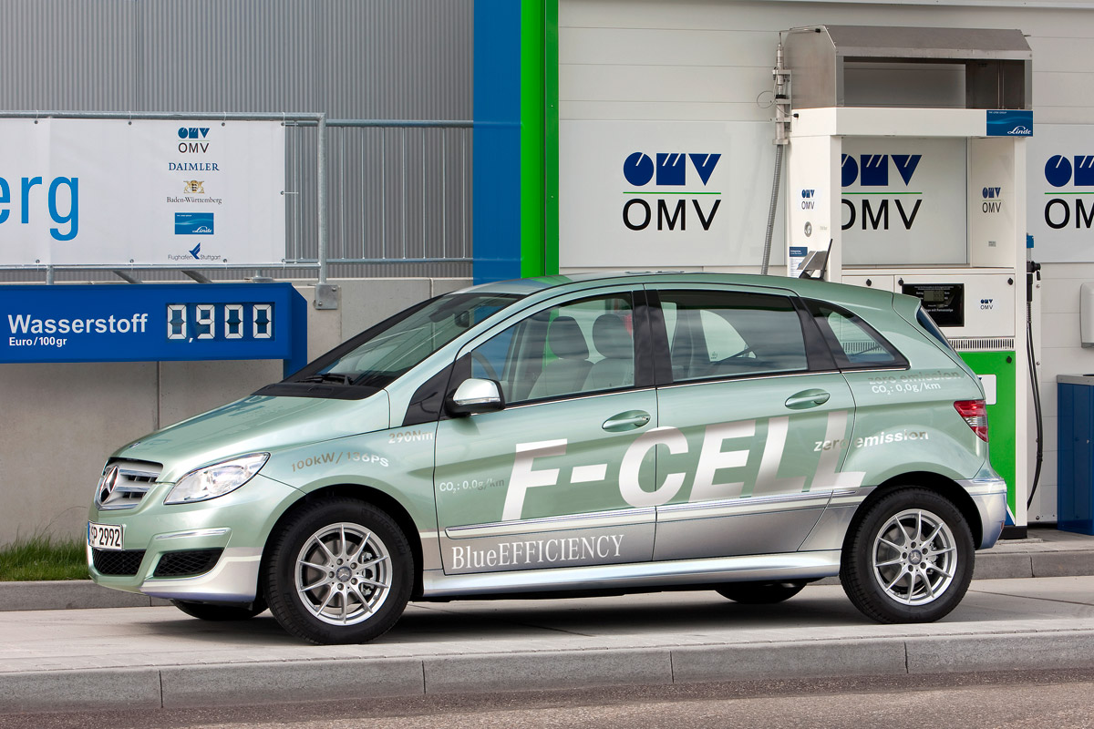 Mercedes-Benz Clase B F-CELL gasolinera