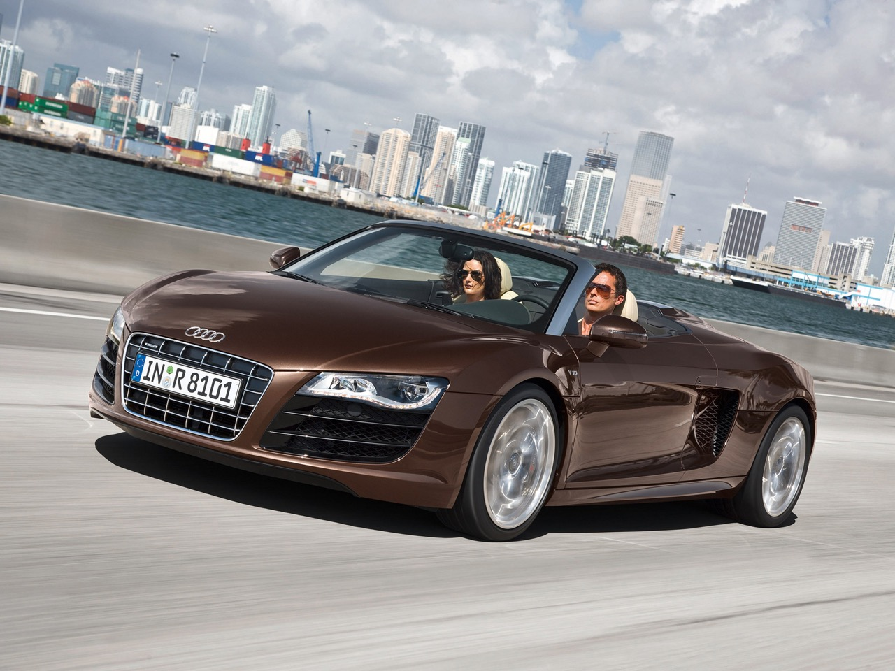 Audi R8 Spyder 2010