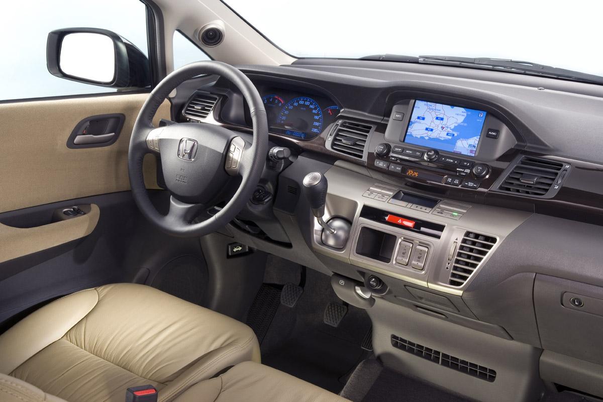 Honda FR-V 2007 puesto de conducción