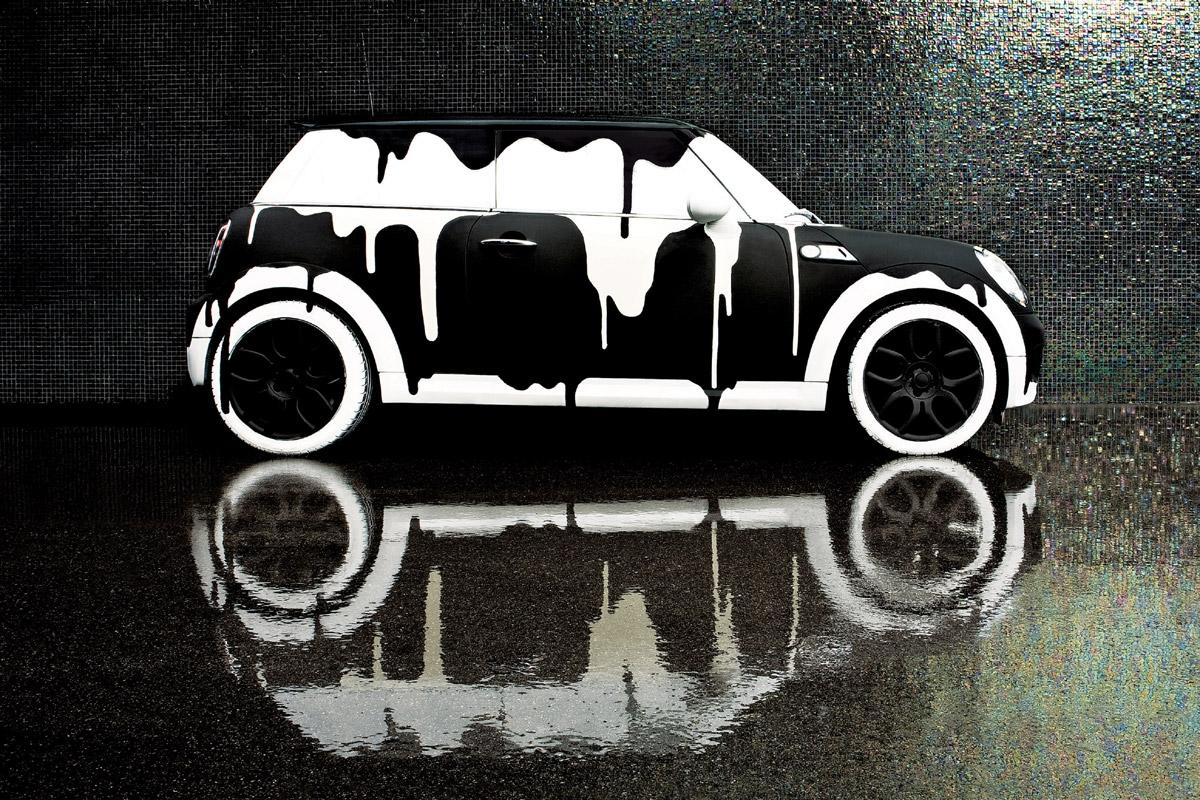 Arte urbano MINI blanco y negro