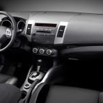 Mitsubishi Outlander 2009 vista del puesto de conducción