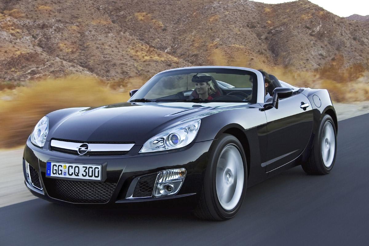 Opel GT, acelera con este descapotable