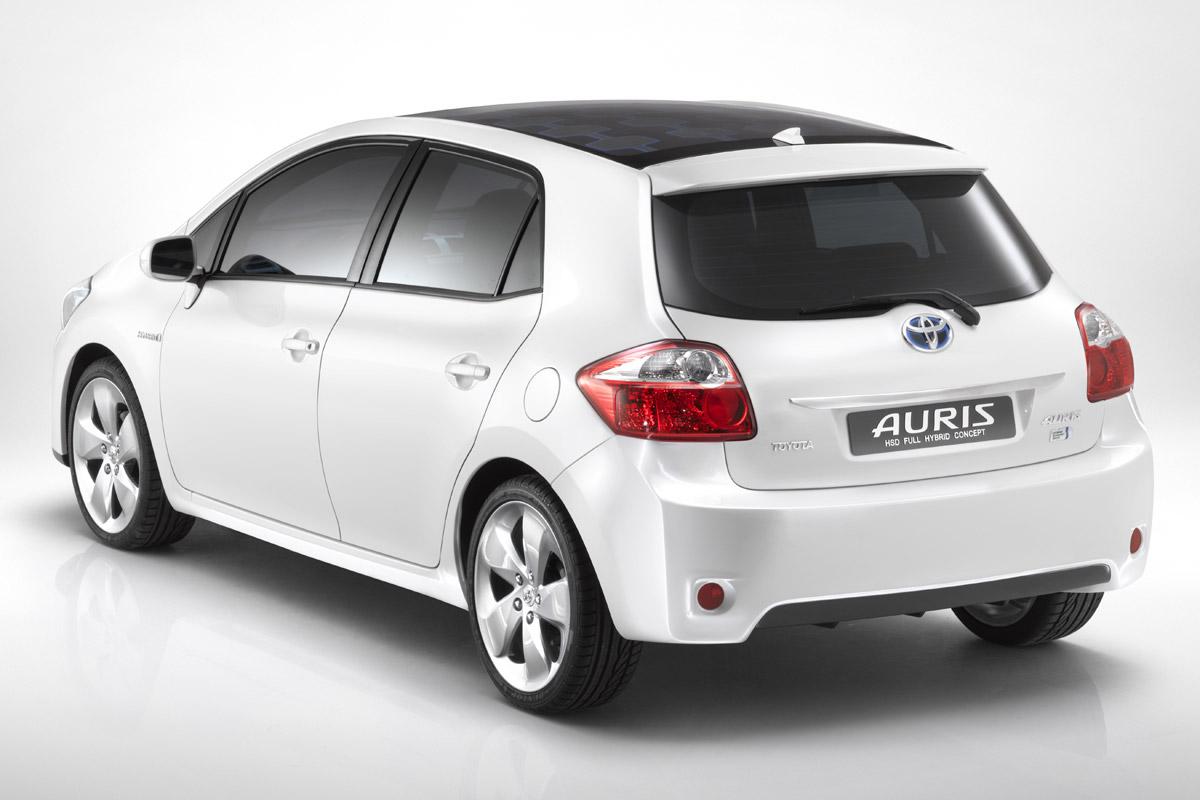 Toyota Auris HSD blanco trasera