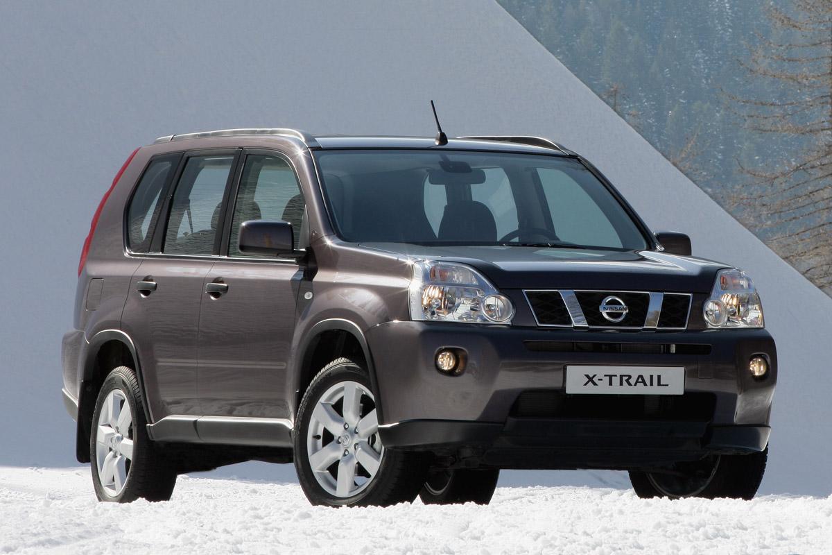 Nissan X-Trail estático