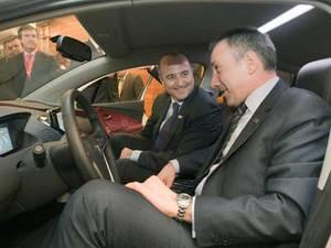 Ministros industria coche electrico