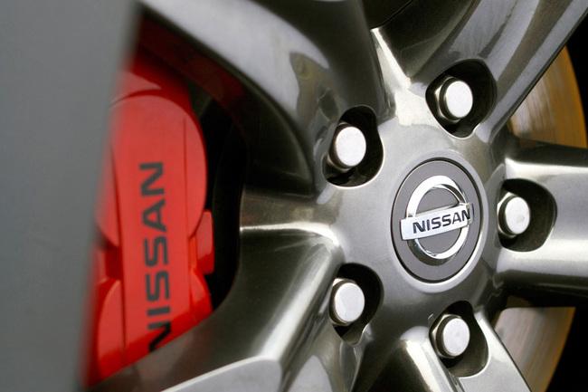 Nissan 370Z Black Edition llanta y pinza de freno