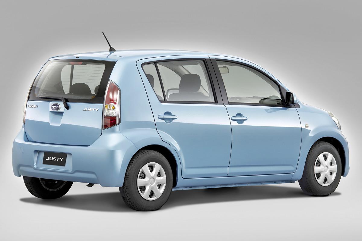 Subaru Justy 2008 estático