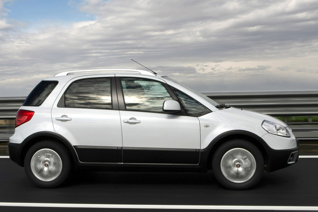 Fiat Sedici 2010 en movimiento