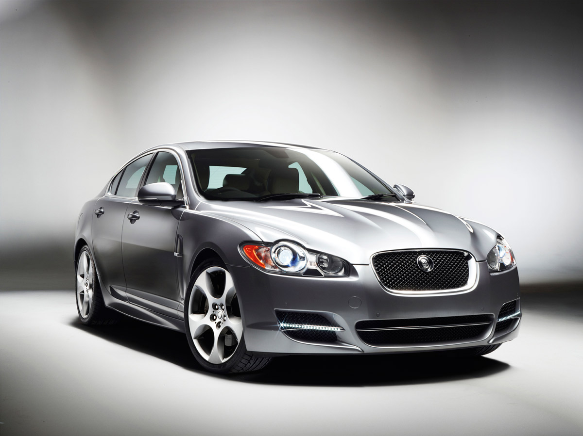 nuevos motores de 3 litros diesel en el jaguar xf. Black Bedroom Furniture Sets. Home Design Ideas