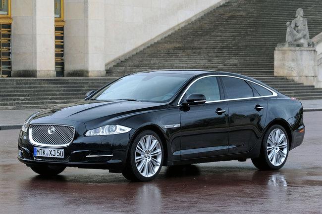 Jaguar XJ 2010 estático