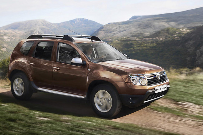 Dacia Duster 2010 vista en movimiento