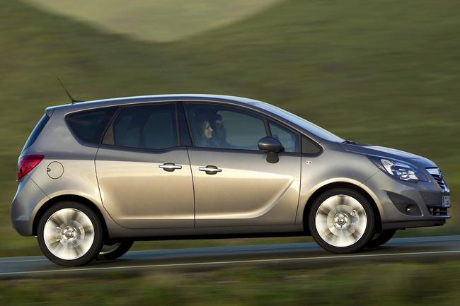 Opel Meriva 2010 vista lateral
