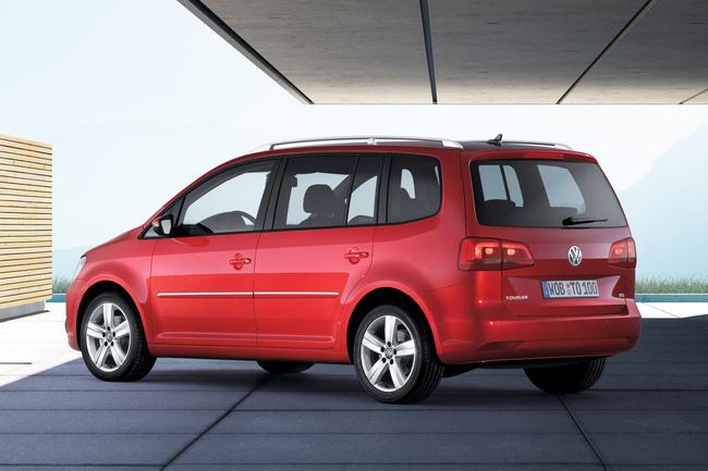 Volkswagen Touran tres cuartos trasero