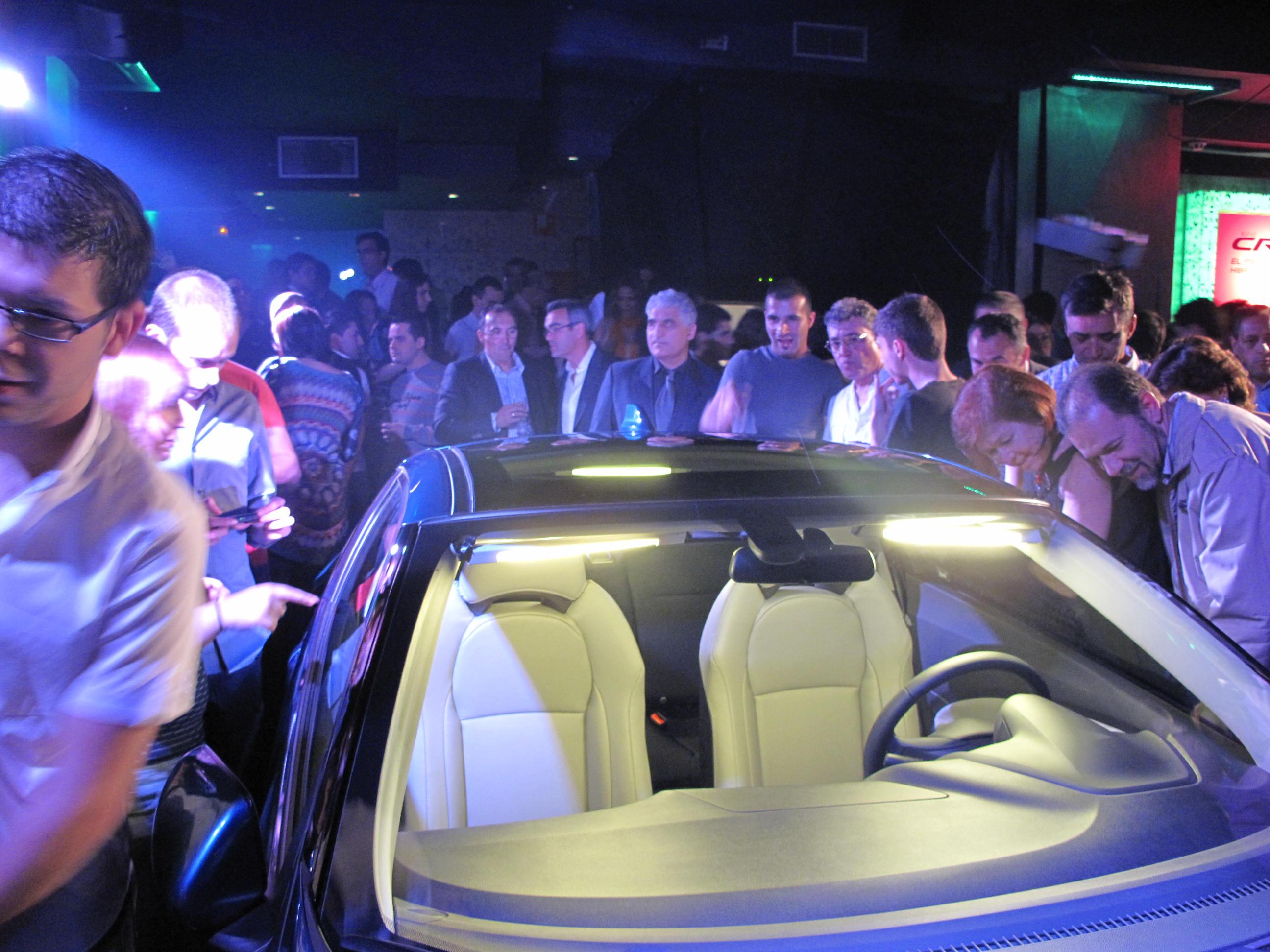 Descubriendo Honda CRZ en la presentación