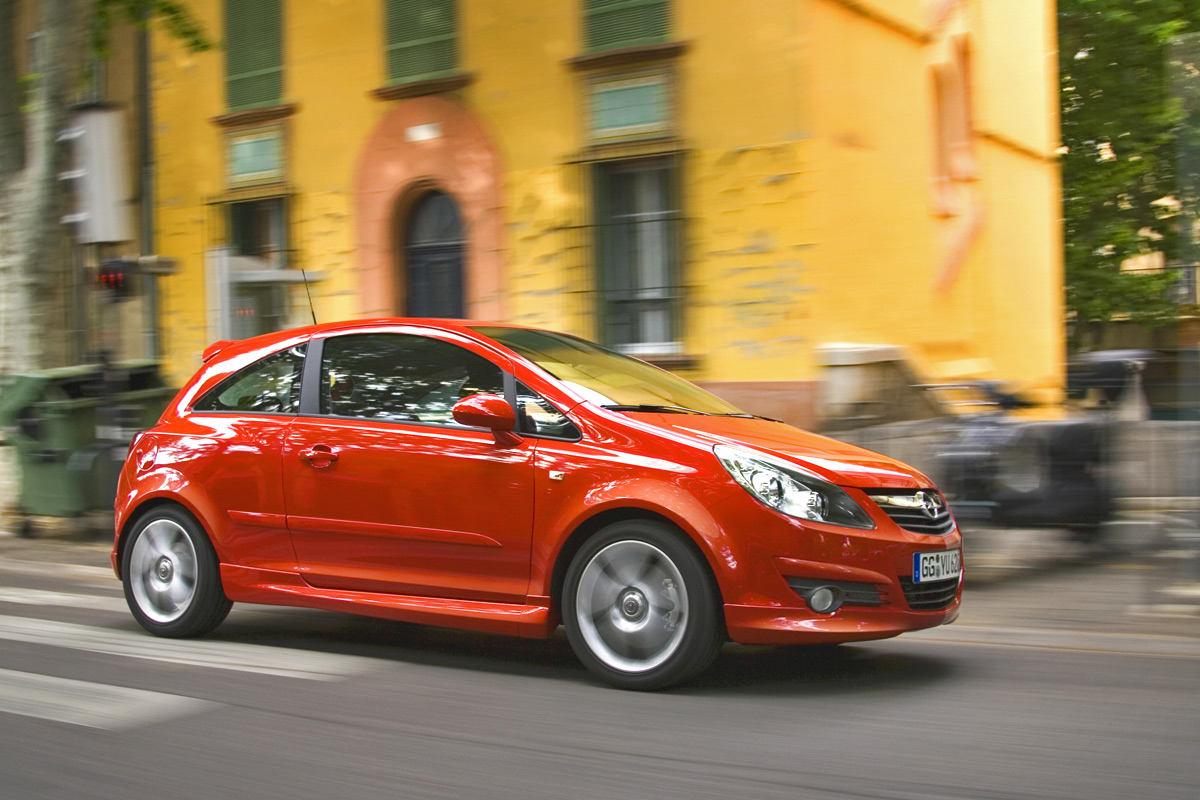Opel Corsa GSi lateral