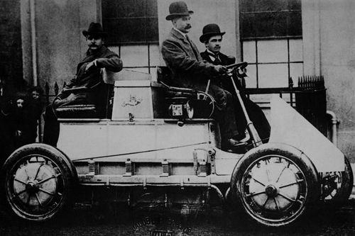 Lohner-Porsche Mixte Hybrid, de 1898.