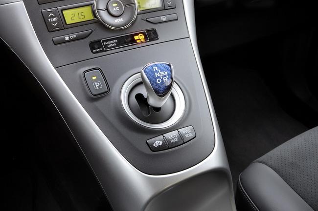 Toyota Auris HSD palanca de cambios
