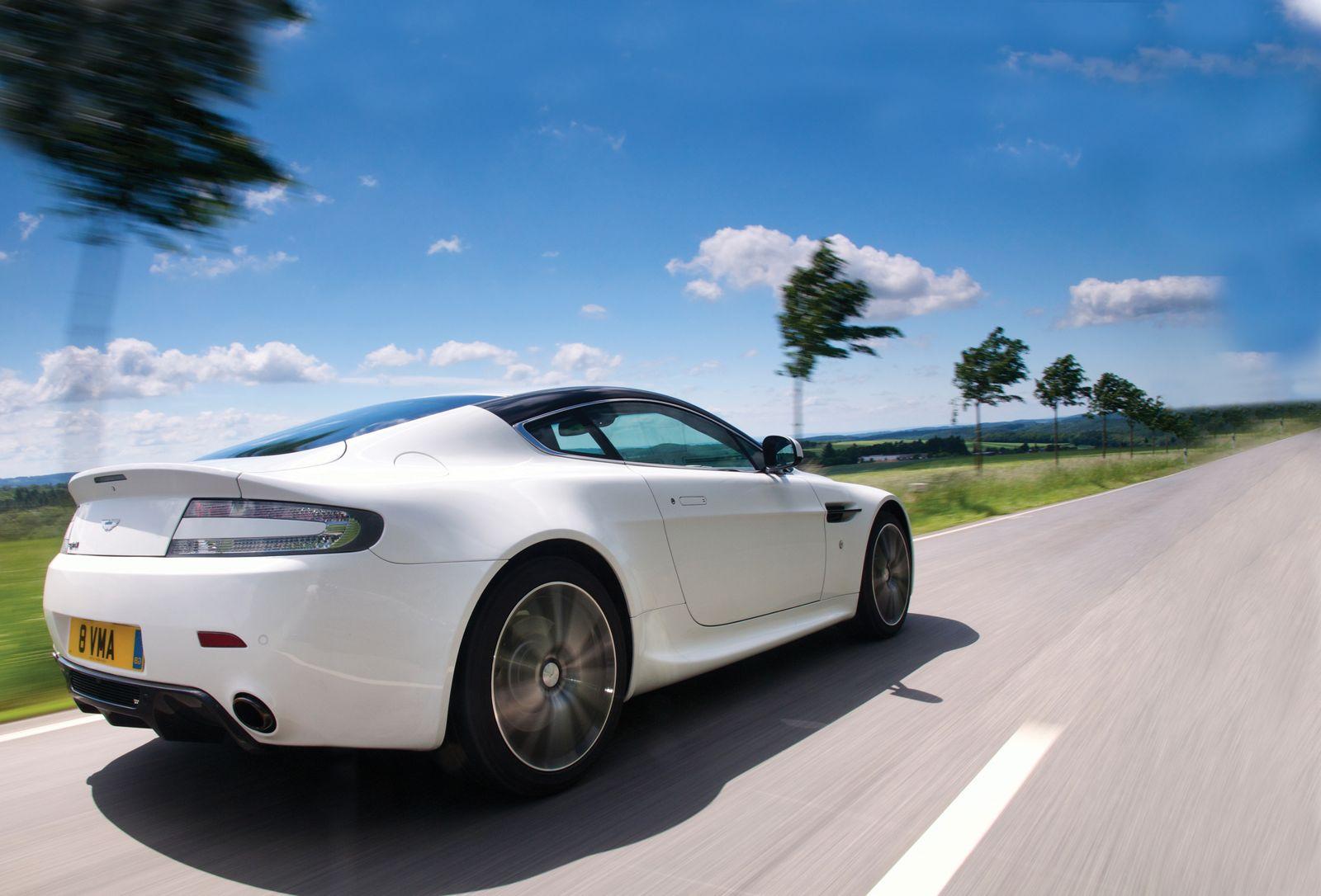 Aston Martin Presenta Su V8 Vantage N420