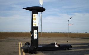 BlackBird desafía al viento.