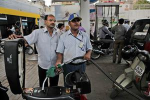 Gasolinera en la India