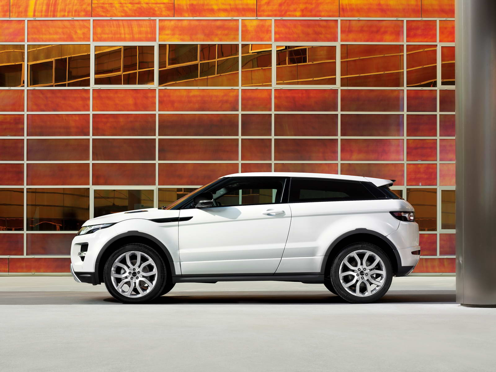 Range Rover Evoque 2011. Vista lateral
