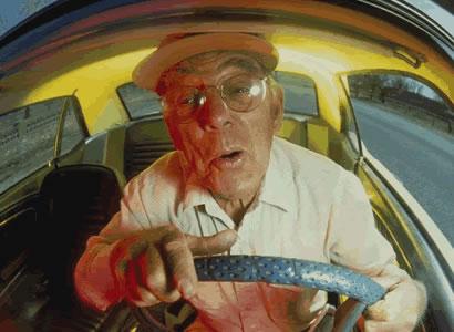 anciano-conductor