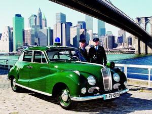Fue popular como coche al servicio de la policía.