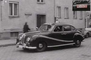El BMW 501 vió la luz en Alemania en 1952.