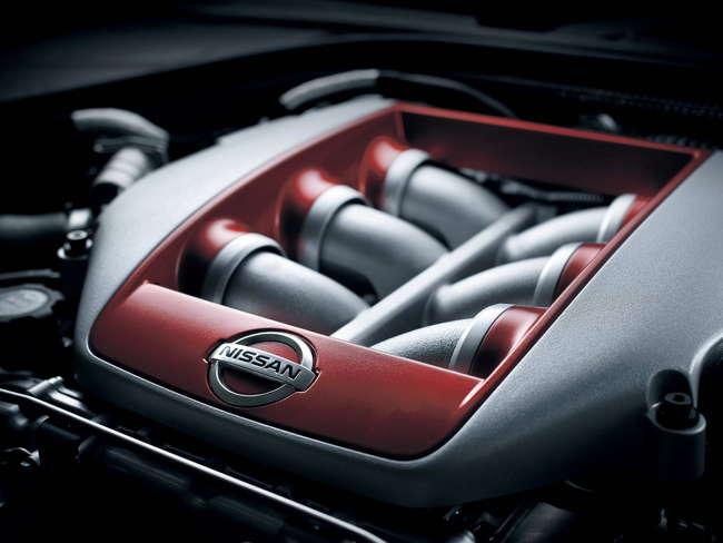 Motor Nissan GT-R 2011