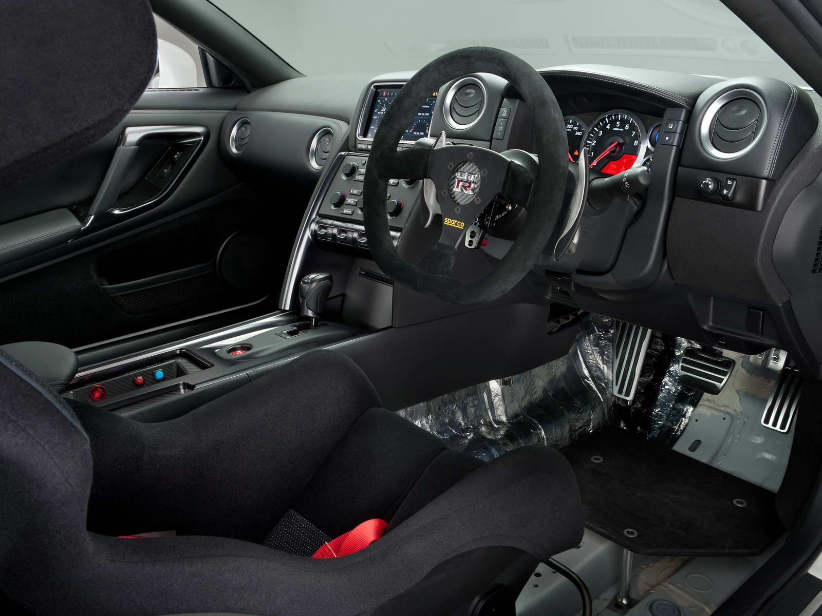 "Nissan GT-R 2011 ""Track Edition"""