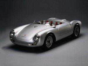 El Porsche 550 Spyder nació creado para la competición.