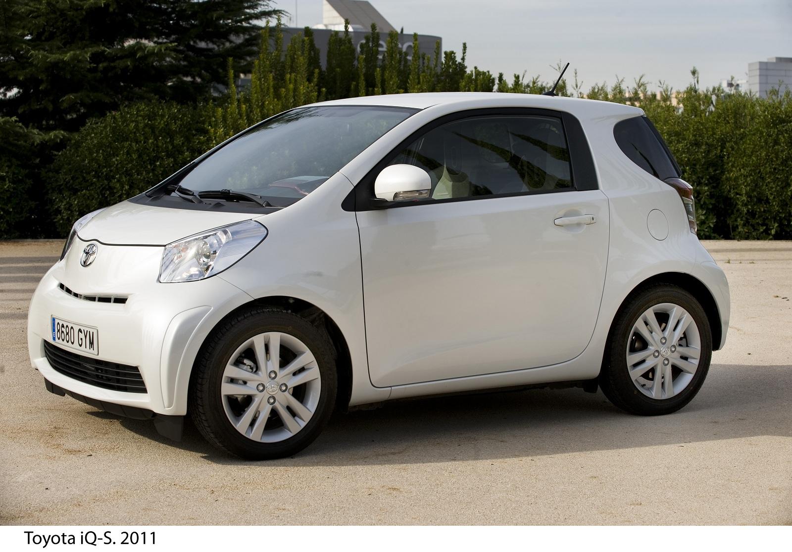 Toyota iQ 2011: nuevo diseño interior