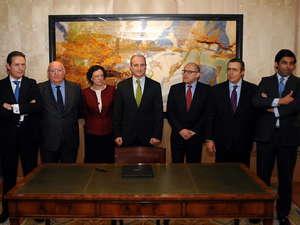 Firma del acuerdo alcanzado entre los fabricantes y los concesionarios