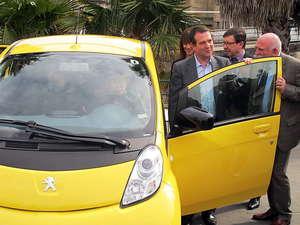 El alcalde de Vigo cambiará su coche oficial por uno eléctrico
