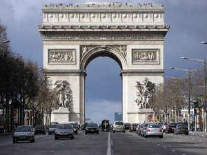 París prohibirá el acceso al centro de la ciudad a los vehículos que más consuman