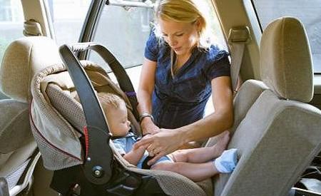 Las sillas de seguridad presentan importantes diferencias for Sillas seguridad coche